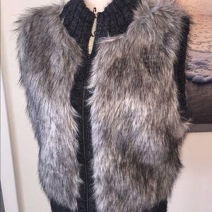 Gorgeous LOFT Faux Fur Vest Jacket